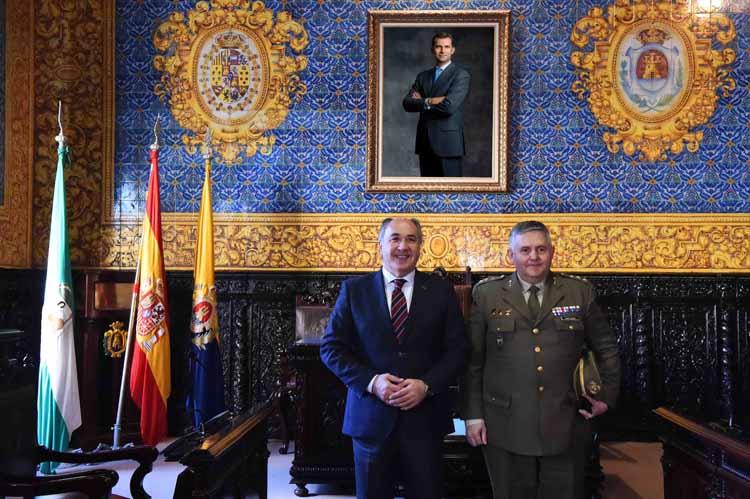 VISITA NUEVO GOBERNADOR MILITAR DEL CAMPO DE GIBRALTAR3
