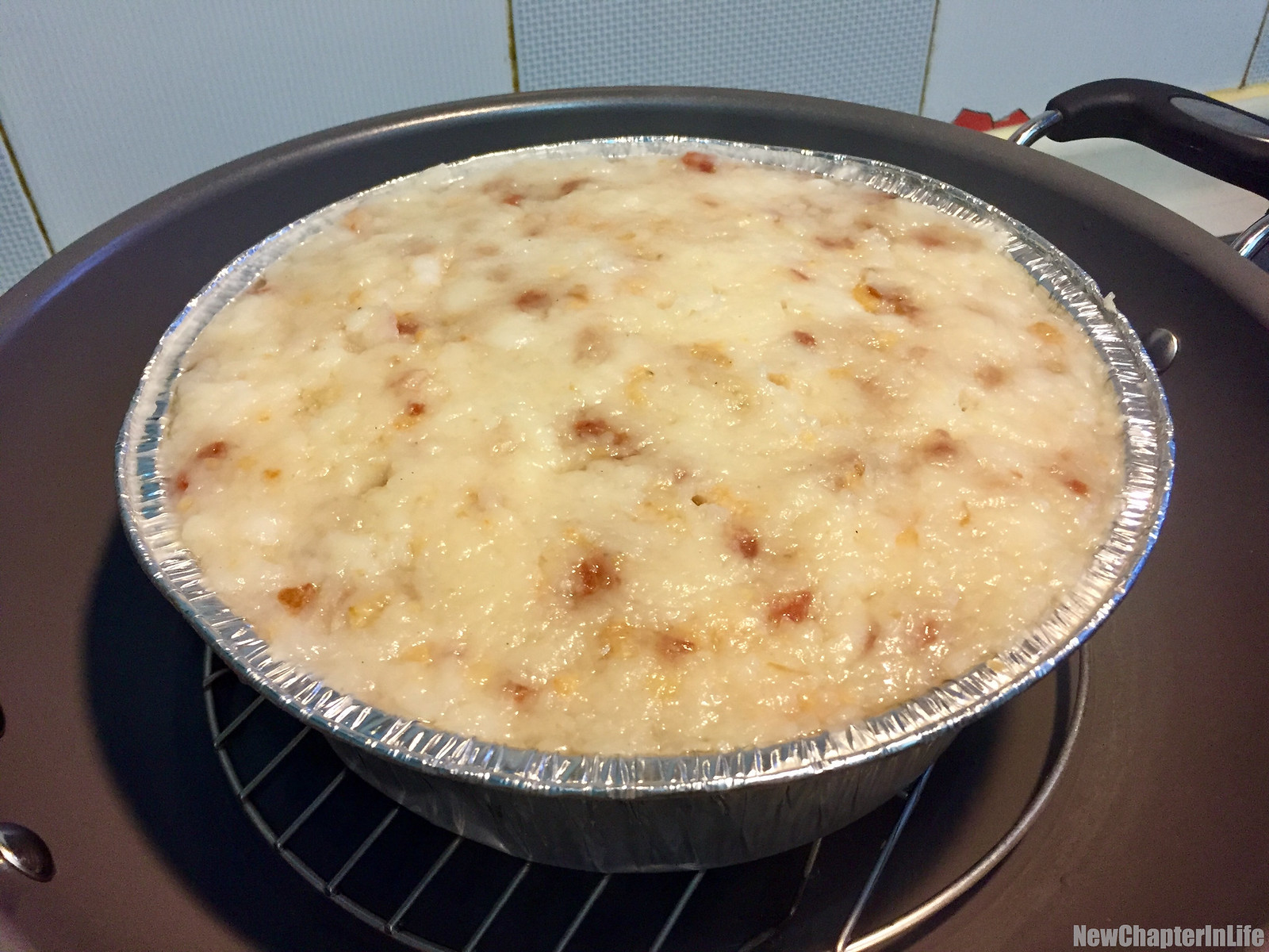 Freshly steamed Turnip Rice Pudding 新鮮熱辣的蒸蘿蔔糕