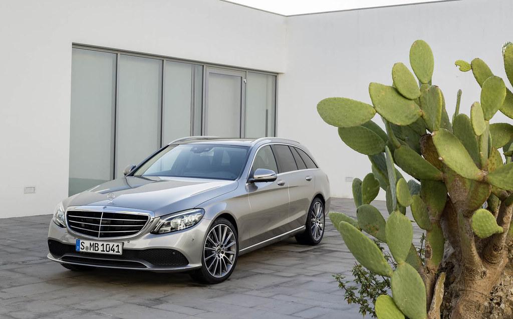 2019-Merceedes-Benz-C-Class-Facelift-11