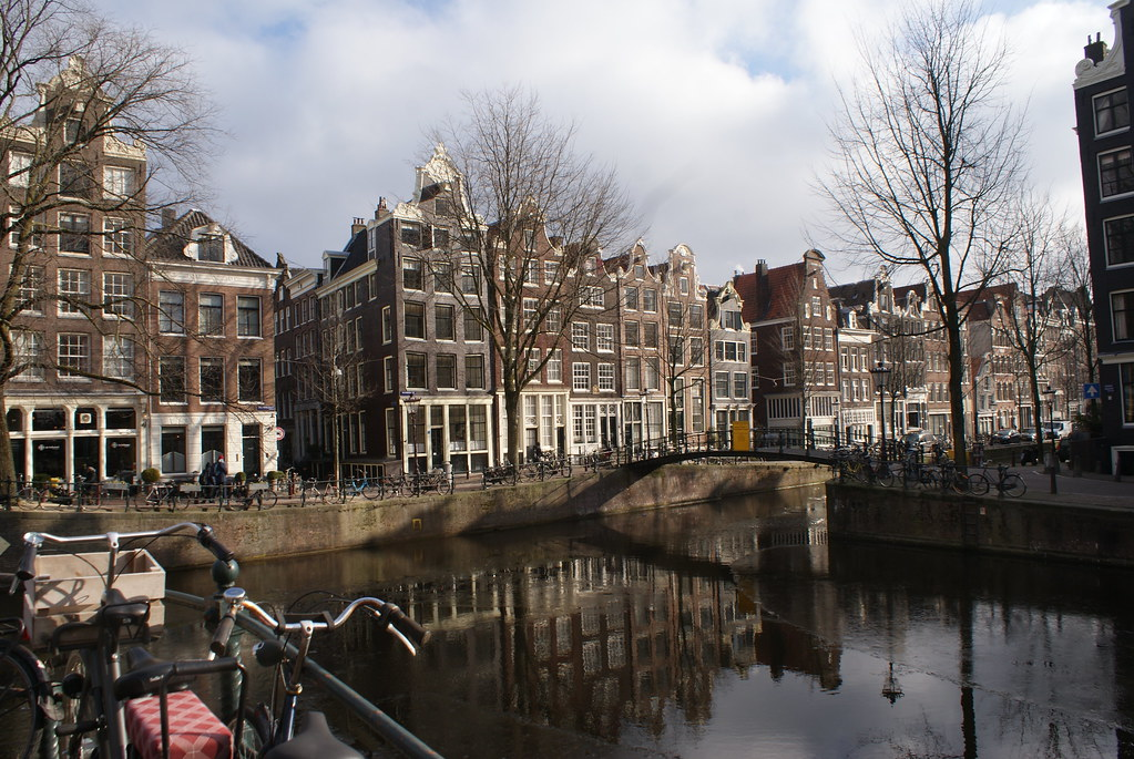 Canaux dans le quartier de Jordaan à Amsterdam.
