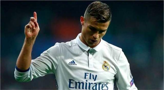 Lihat Ronaldo Memarahi Suporter Real Madrid Tadi Malam