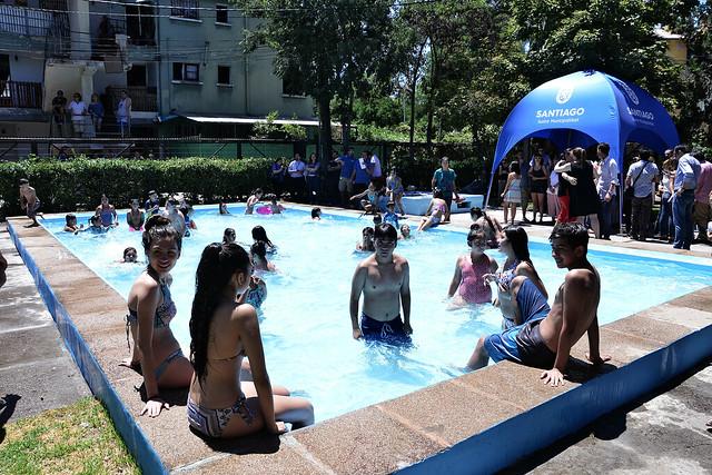 Inauguración piscina barrio Arauco