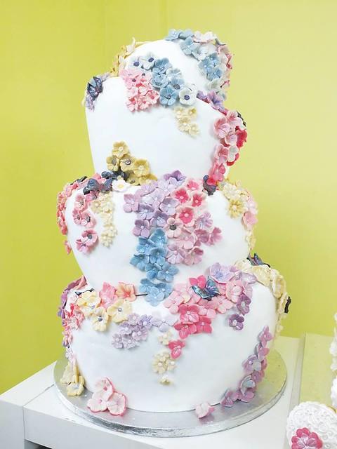 Cake by Blossom Sugar Art