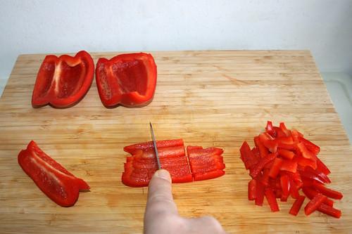 26 - Paprika in Streifen schneiden / Cut bell pepper ins stripes