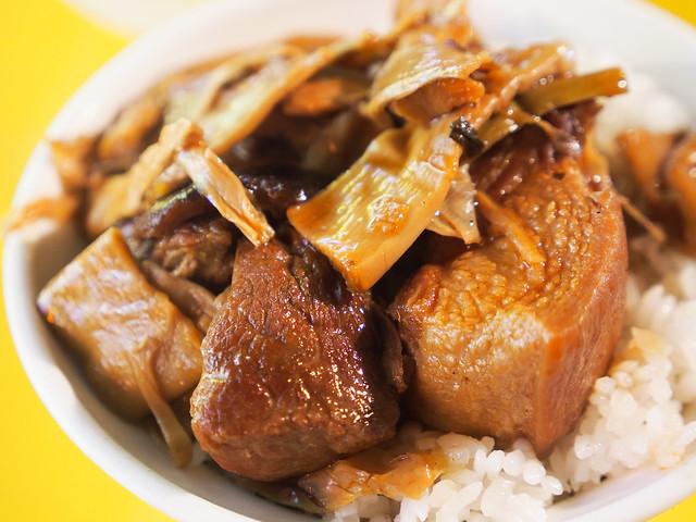 牛媽媽控肉飯 | 台北寧夏夜市-夜市裡的美味控肉飯