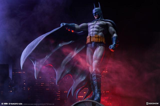 守護高譚的騎士新色再登場!!Yamato USA DC Comics 系列【蝙蝠俠 藍色版】Batman (Blue Version) 1/6 比例全身雕像作品