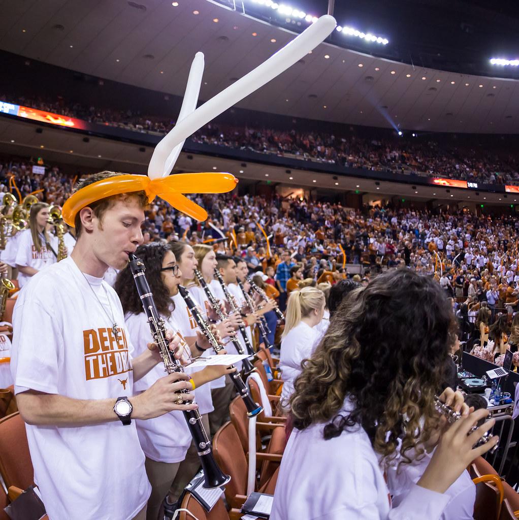 University of Texas Longhorns basketball vs UConn Huskies