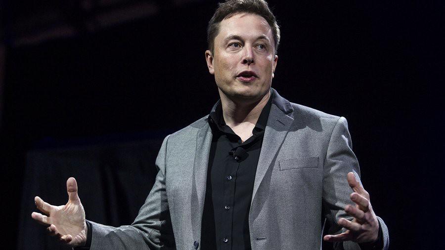 Des lance-flammes aux liaisons cérébrales – voici les 5 idées les plus folles d'Elon Musk