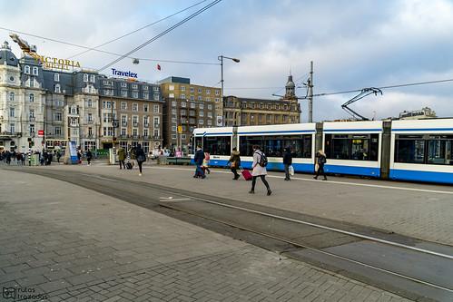 Tram en Amsterdam Centraal