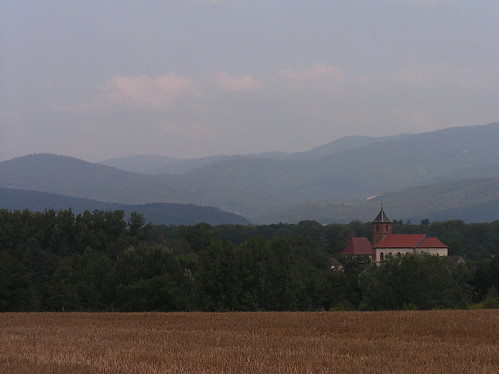 20070830 11593 0706 Jakobus Hügel Nebel Wald Feld Kirche