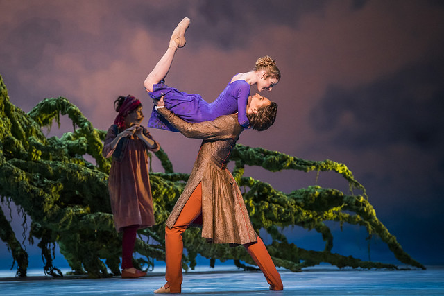 Sarah Lamb and Vadim Muntagirov in The Winter's Tale © 2018 ROH/Tristram Kenton