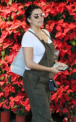 Eva Longoria Debuts Child Bump After Being pregnant Information