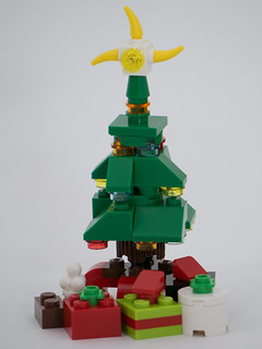 "Christmas Build-Up 2017 Day 16 MOC ""Christmas Tree"""
