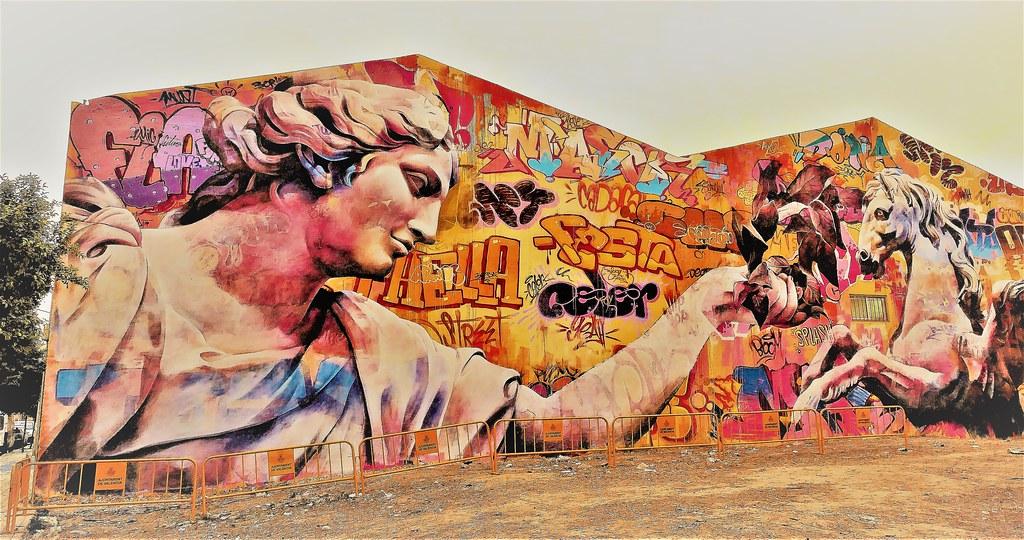 Mural de Arte Urbano en la Ciudad del Artista Fallero de Valencia