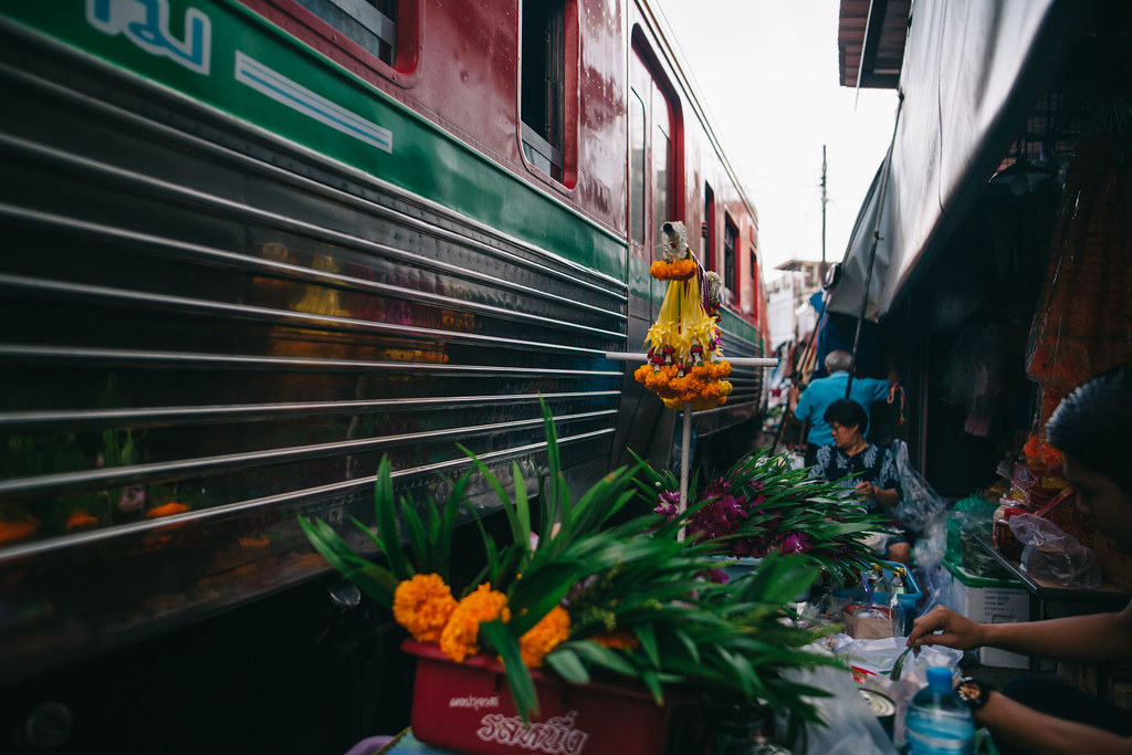 Samut Songkhram Maeklong Market