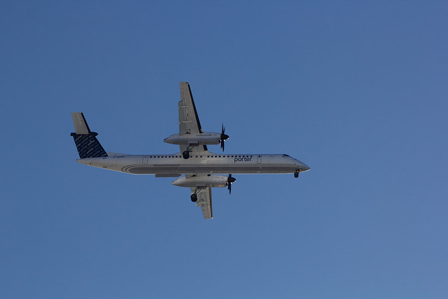 Porter airlines coming in for landing