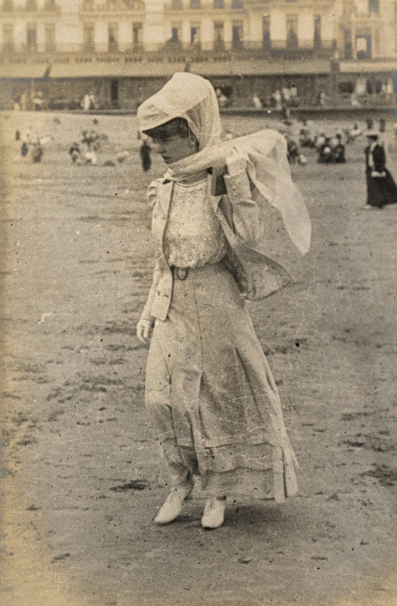 On the beach in Ostende, Belgium, 1906