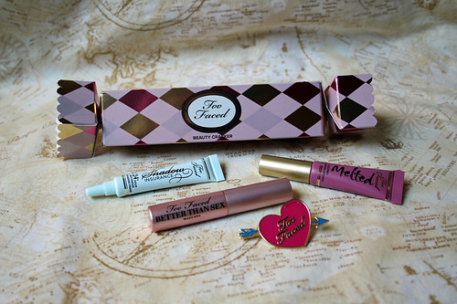 Too Faced - beauty cracker