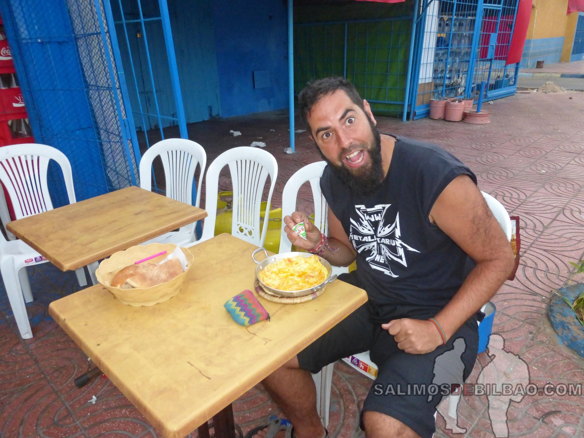 301. Katz desayunando, Tarfaya
