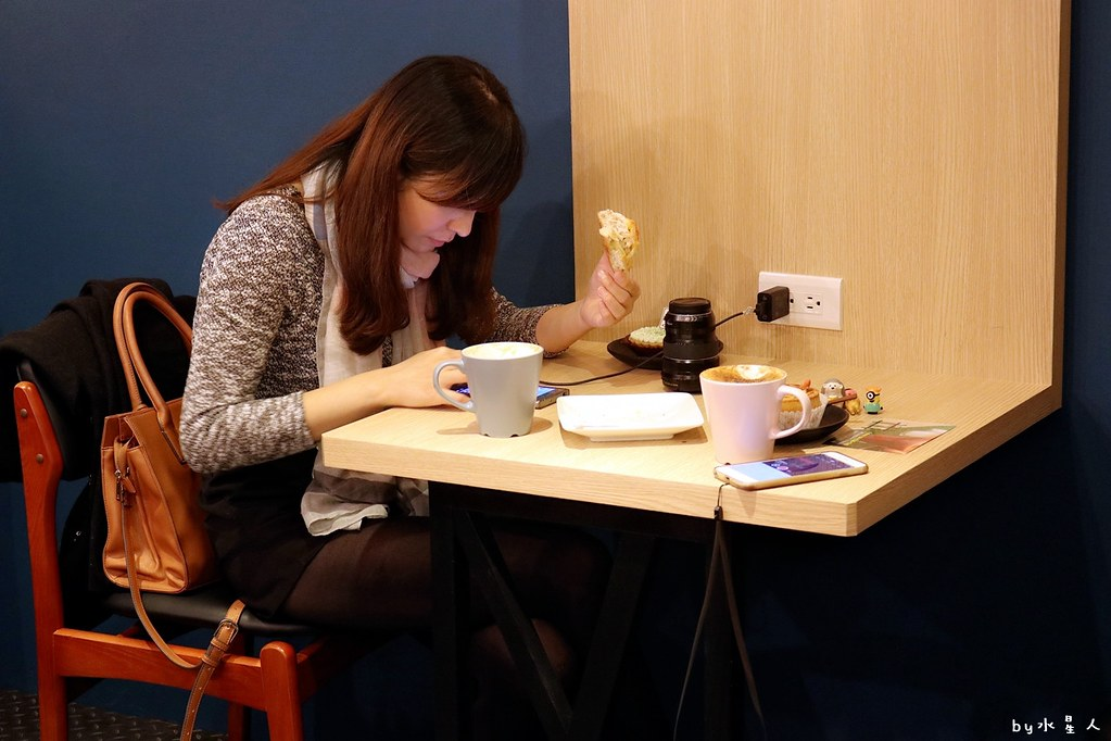 24328299627 ef9c45095c b - 熱血採訪|YH Cafe台中南屯平價咖啡,不限時間無低消無服務費免費插座wifi