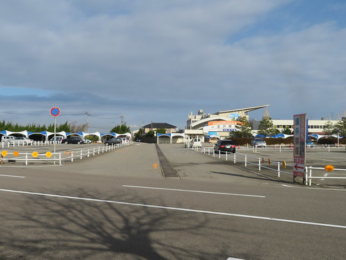 金沢競馬場の裏手の駐車場入口