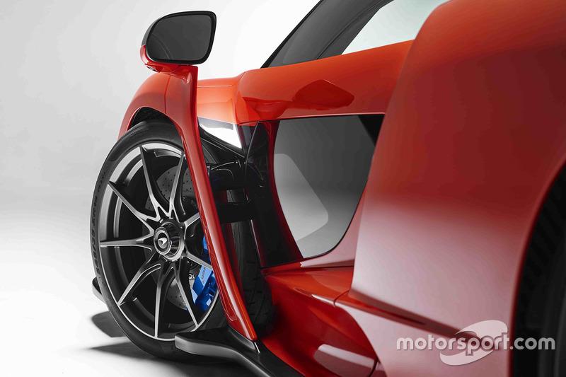 automotive-mclaren-senna-unveil-2017-mclaren-senna