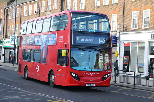 London Sovereign ADE40434 on Route 142, Edgware Station
