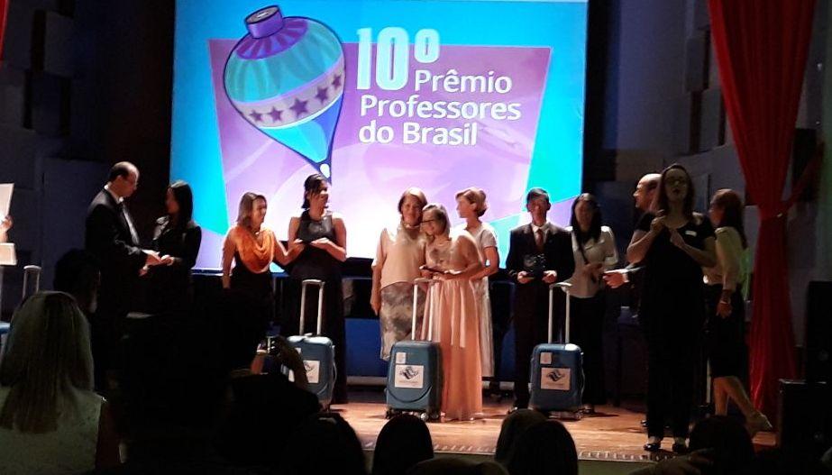 premio professor, Adriane Menezes