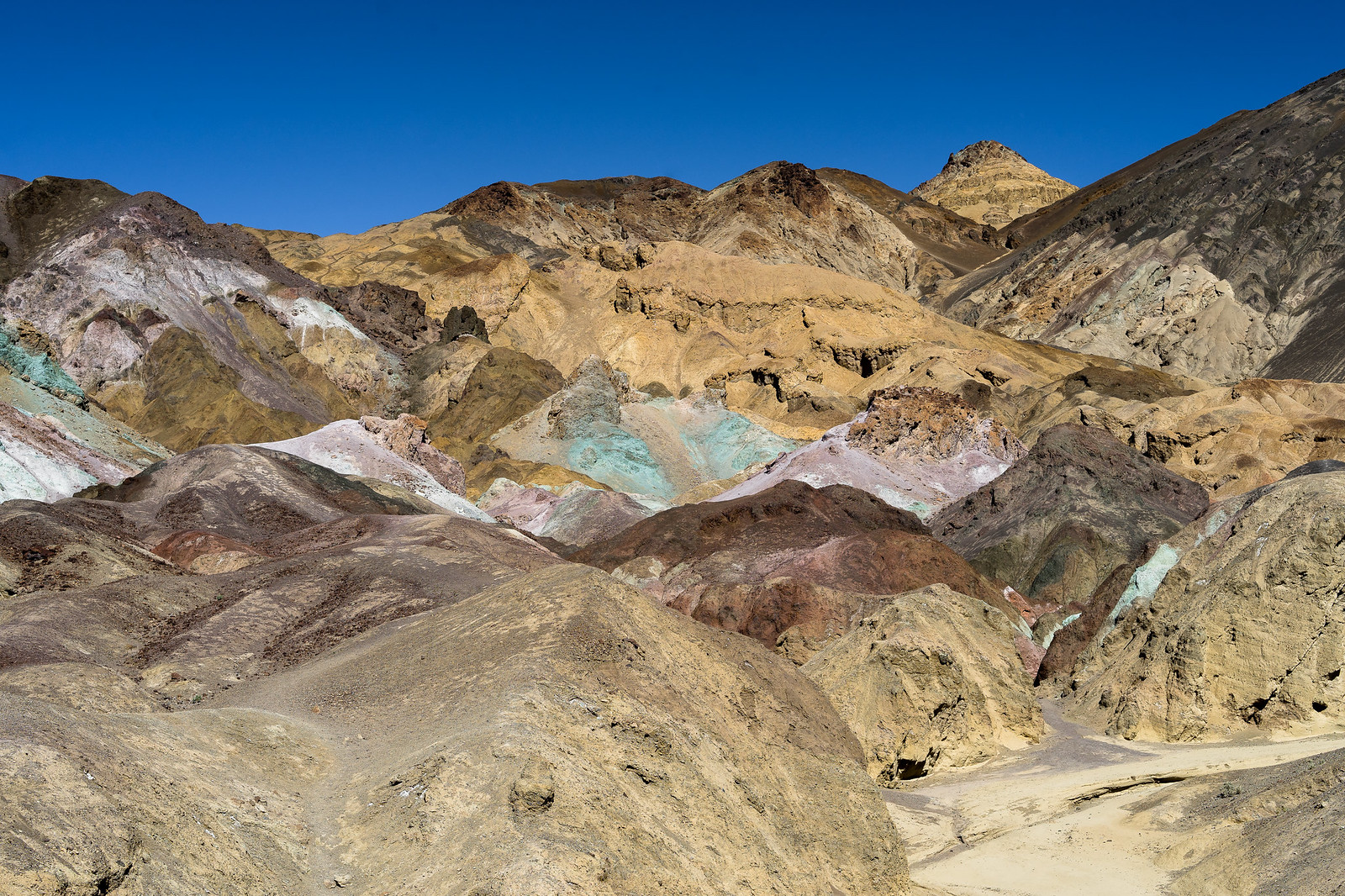 Artist Pallet (Death Valley) 38554167565_ddd733b7d6_h