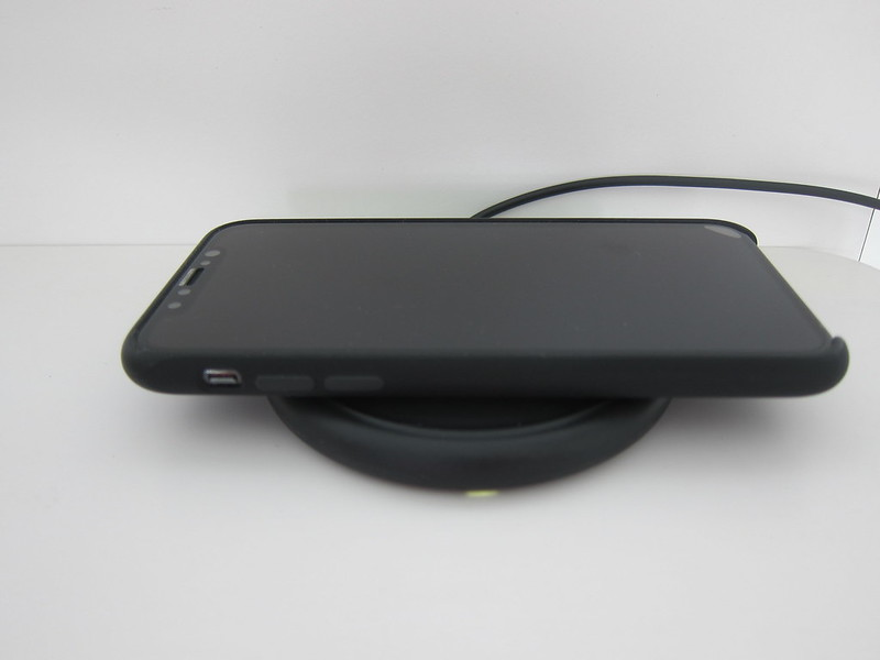 Mophie Wireless Charging Base - Charging