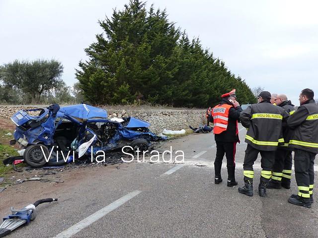 incidente stradale statale 100. quattro morti