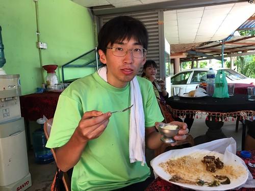 食後のアイスにご満悦西川さん