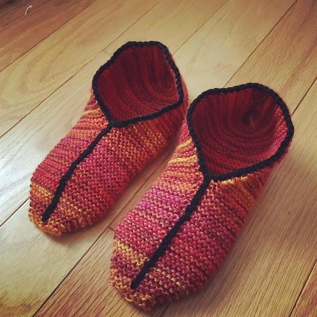 New simple garter stitch slippers 🔥 #simplegarterstitchslippers