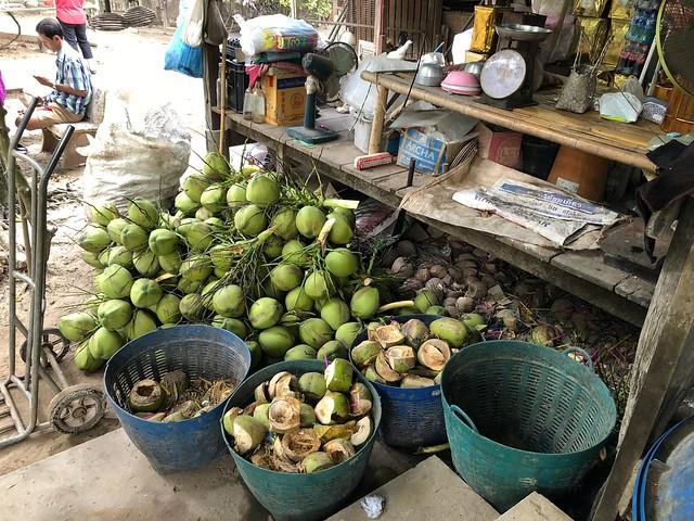 Damnoen Saduak Floating Market 13