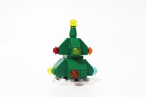 LEGO Seasonal Christmas Build Up (40253) - Day 23