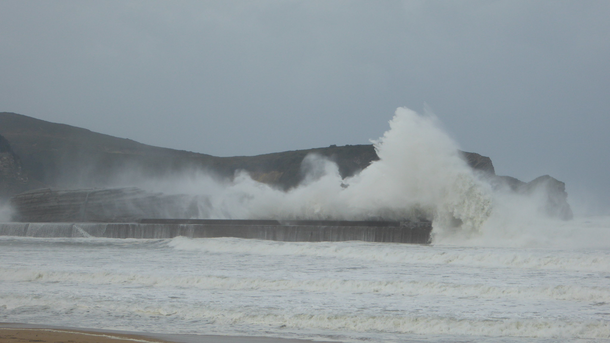 Temporal de viento y olas en la zona de Plentzia-Barrika-Gorliz