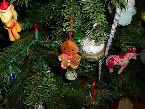 Gingerbread man on tree