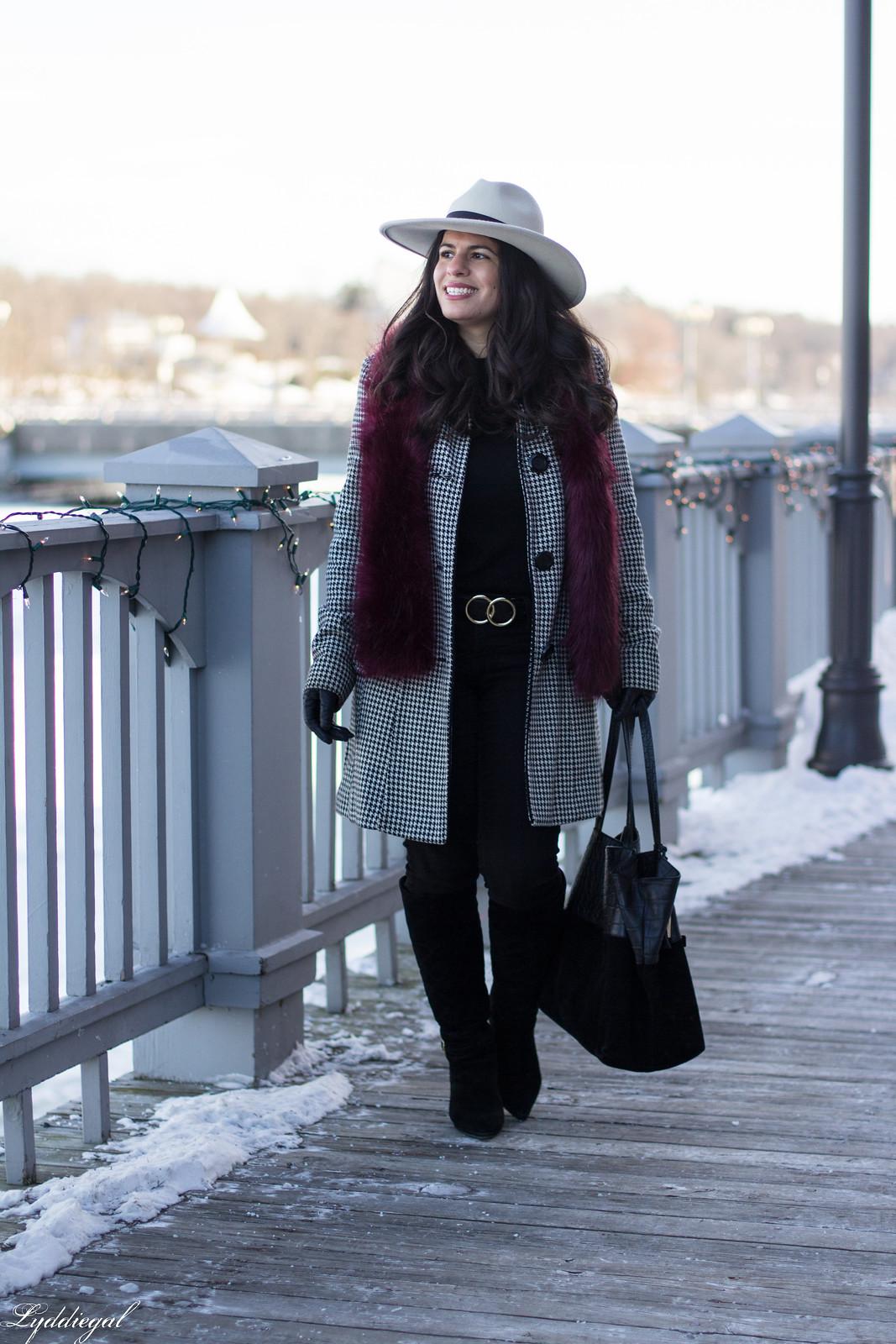 houndstooth coat, boots, wide brim fedora, fur scarf-8.jpg