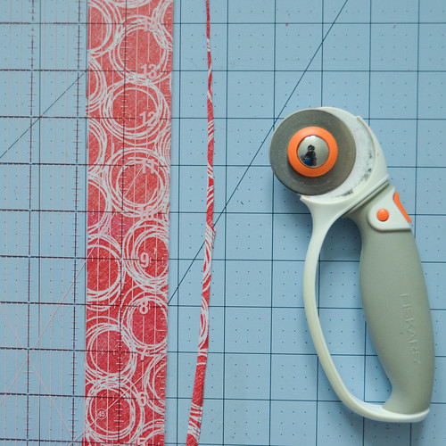 "Trim fabric strips to 2.5"" (or 2.75"" if you know your seams to not usually be even)."