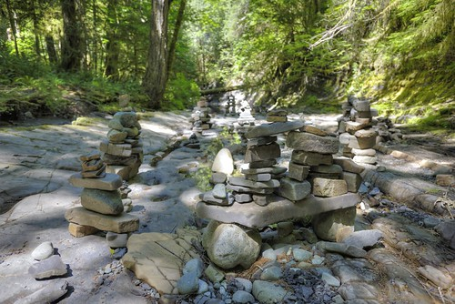 britishcolumbia canada vancouverisland balancingrocks balancingstones holeinthewallfalls portalberni creek stream riverbed