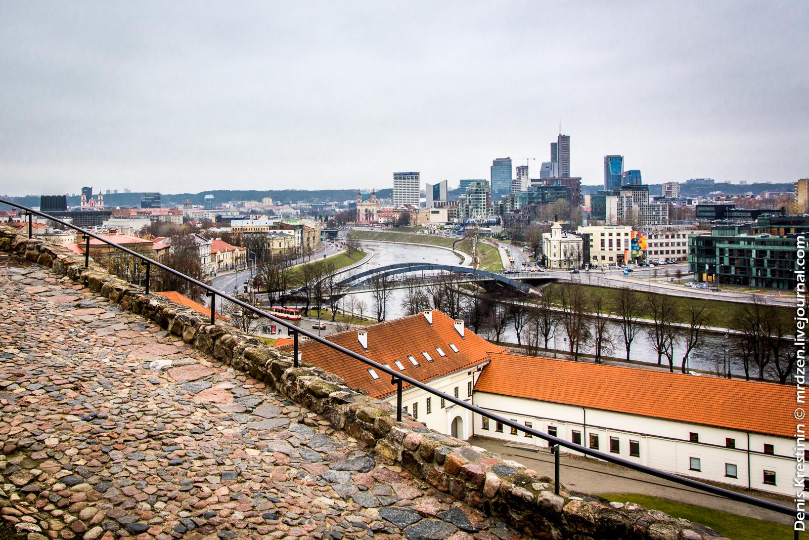 Вильнюс. Замковая гора. Вид на деловой центр.