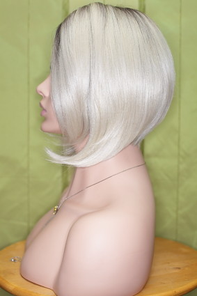 Gabby_lace_front_platinblonde_root_d