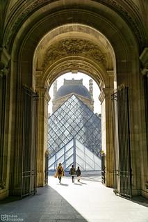 Piramide Louvre2