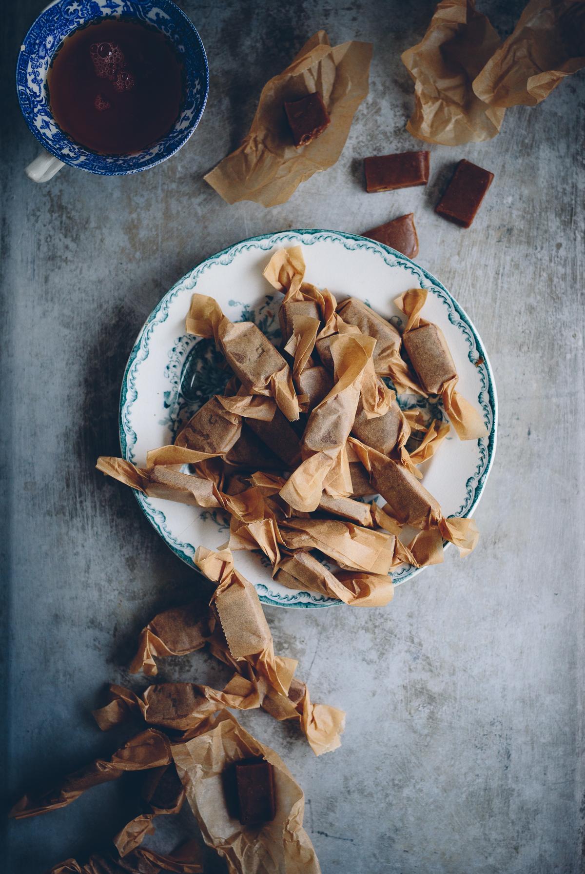 Vegansk seg kola med pepparkakssmak | Cashew Kitchen