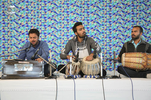 Devotional song by Vikas Ghai and Saathi from Pitampura, Delhi