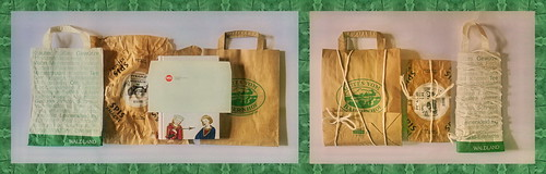 """Wrapping Christmas Presents for my Parents, reusing paper bags, wrapping of crispbread 24.12.2017 Weihnachtsgeschenke (Buch, 2 Kuverts mq) für meine Eltern einpacken. Wiederverwertung: Papiersackerln """"Waldland"""" """"Gutes vom Bauernhof"""", Verpackung """"Pyramid"""""""