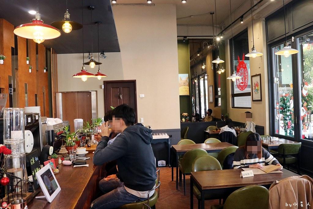 38622181104 d079aea992 b - 熱血採訪|MT49芒果樹咖啡店,單品手沖咖啡、現做鬆餅輕食帕里尼,宮崎駿龍貓可愛陪伴