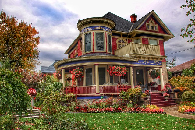 Port Colborne  Ontario  - Canada - 326 Catharines St - Heritage  House