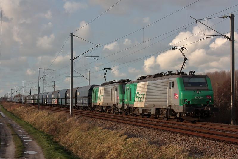 BB 27087 + BB 27060 / Bierne