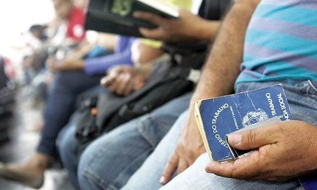 A taxa de desemprego atinge hoje mais de 12 milhões de pessoas, segundo dados do IBGE, um dos maiores índices da história. - Créditos: Fórum